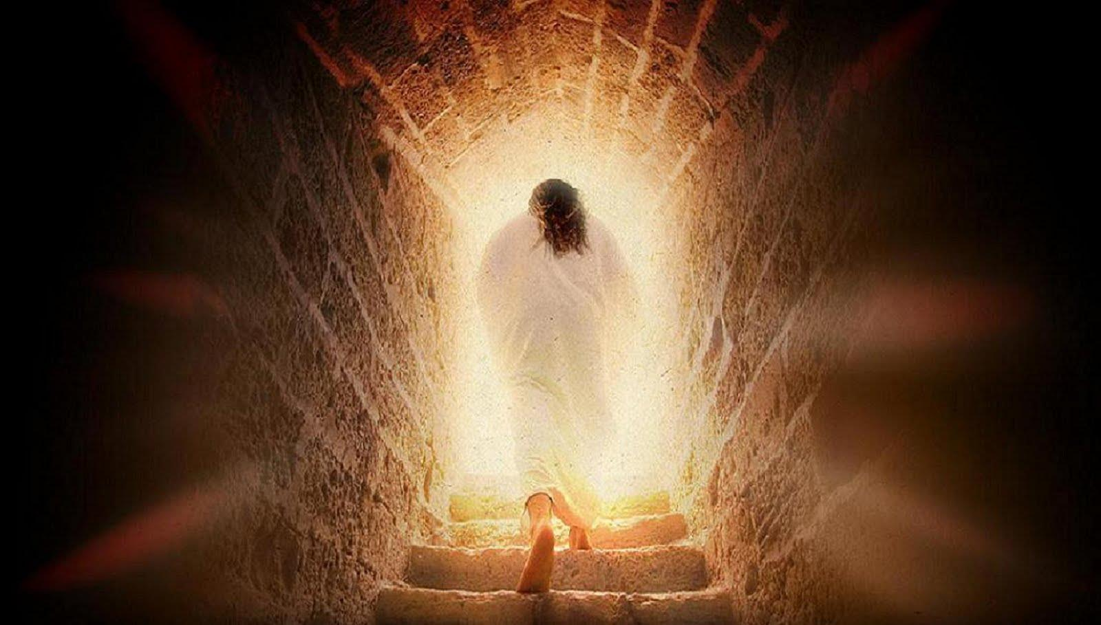 http://heritage-wordpress-test.s3.amazonaws.com/wp-content/uploads/2015/02/Jesus-Walking-Out-of-the-Tomb.jpg
